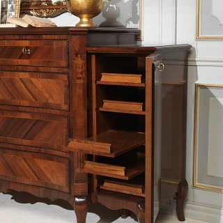 Classic walnut chest of drawers, details of the lateral door with shelf, luxury classic collection 800 francese
