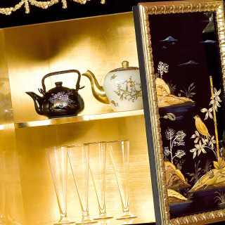 China black lacquered little cabinet, Luigi XV style, gold leaf details, marble top, golden interiors. Detail