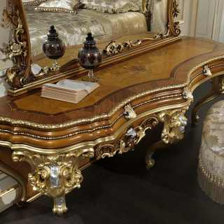 Classic dressing table in baroque style