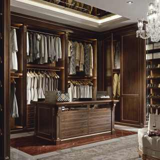 Precious wooden walk-in closet wardrobe