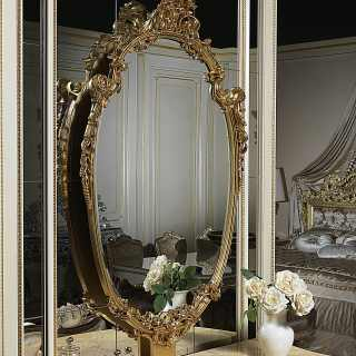 Carved and golden classic mirror of the Chinoiserie collection