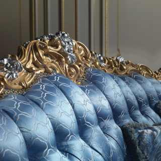 Upholstered classic sofa in fabric of silk and capitonné manufacturing, Living Room Eighteenth Century