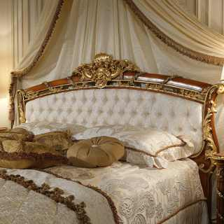 Classic bed with headboard in walnut of the luxury classic collection for the sleeping area Louis XVI Noce e Intarsi