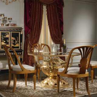 Sala di lusso in legno e cristallo
