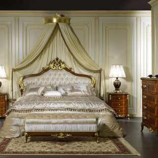 Meubles classiques et de luxe pour la zone de couchage - Camera da letto matrimoniale classica ...