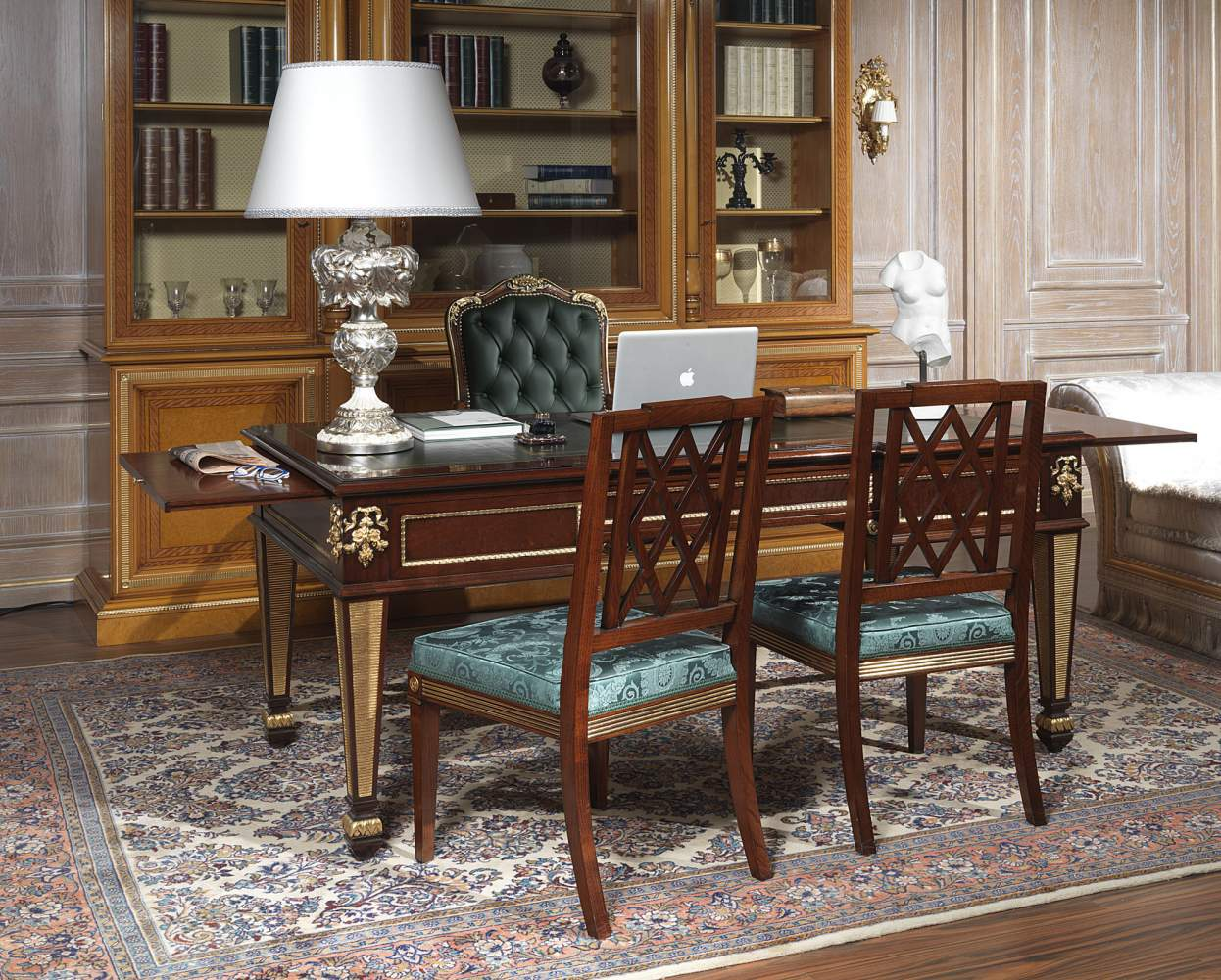 Office in classic style SKU 90