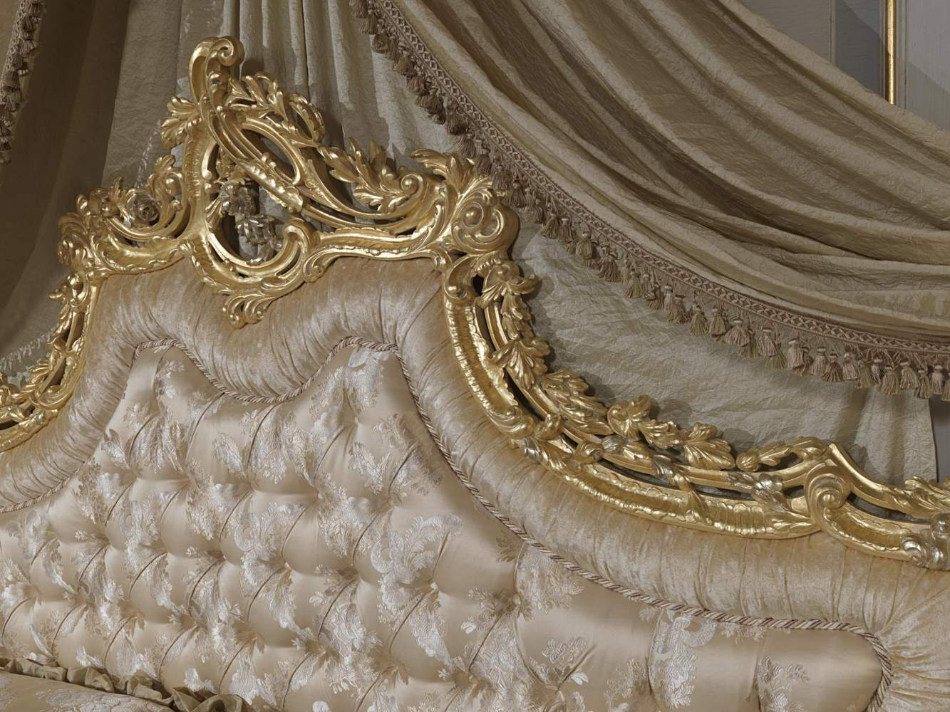 Baroque bed headboard 2012  Vimercati Classic Furniture
