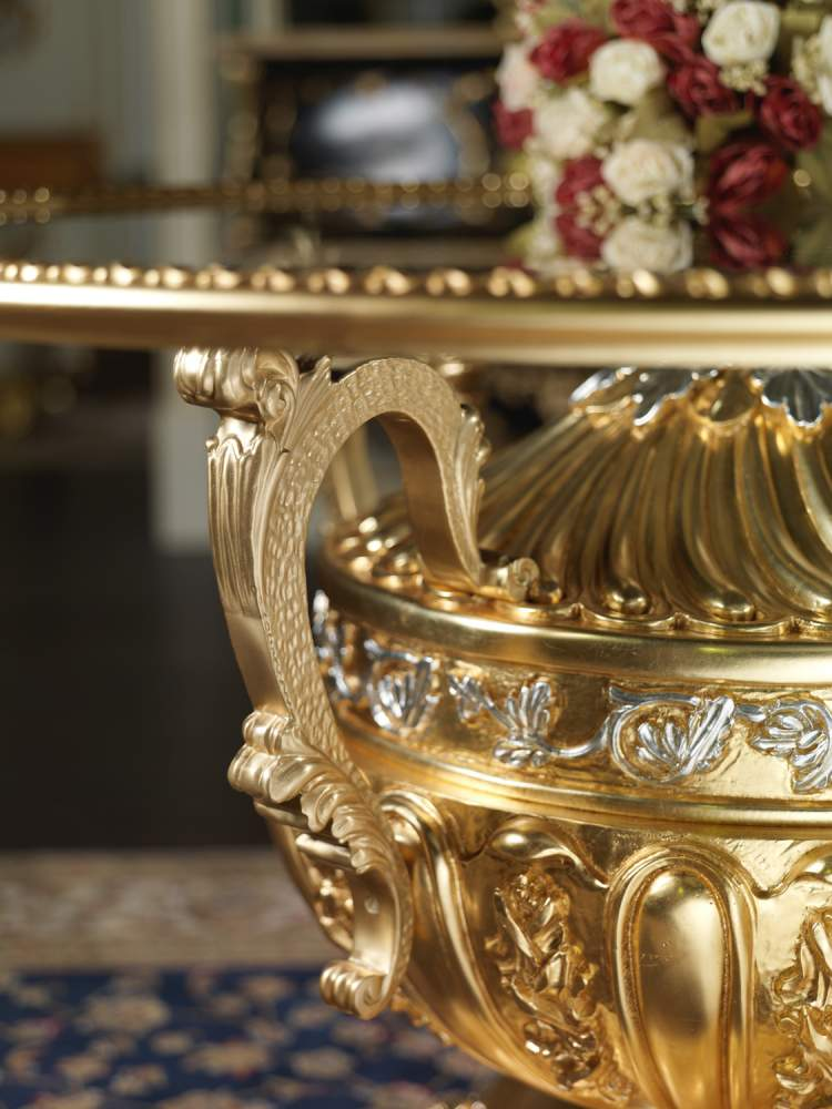 Luxury table in crystal and gold