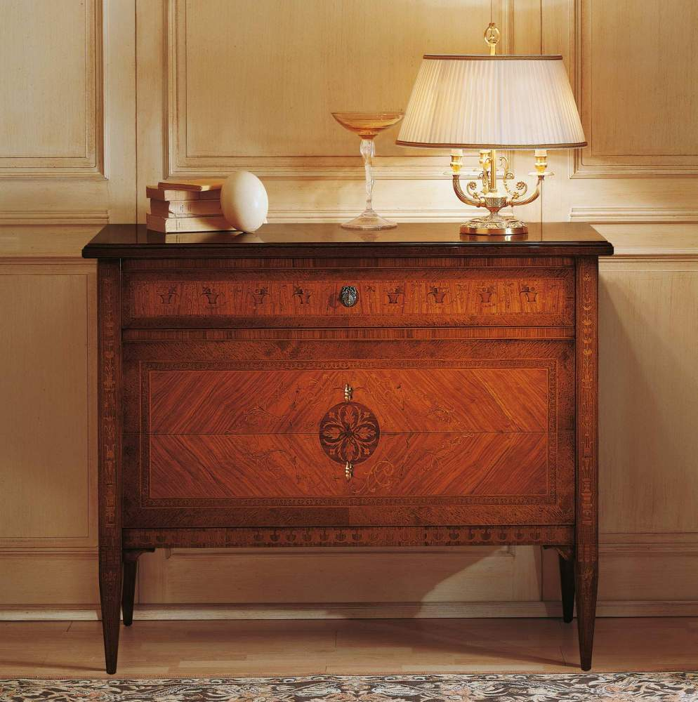 Classic Maggiolini bedroom, chest of drawers in walnut and olive