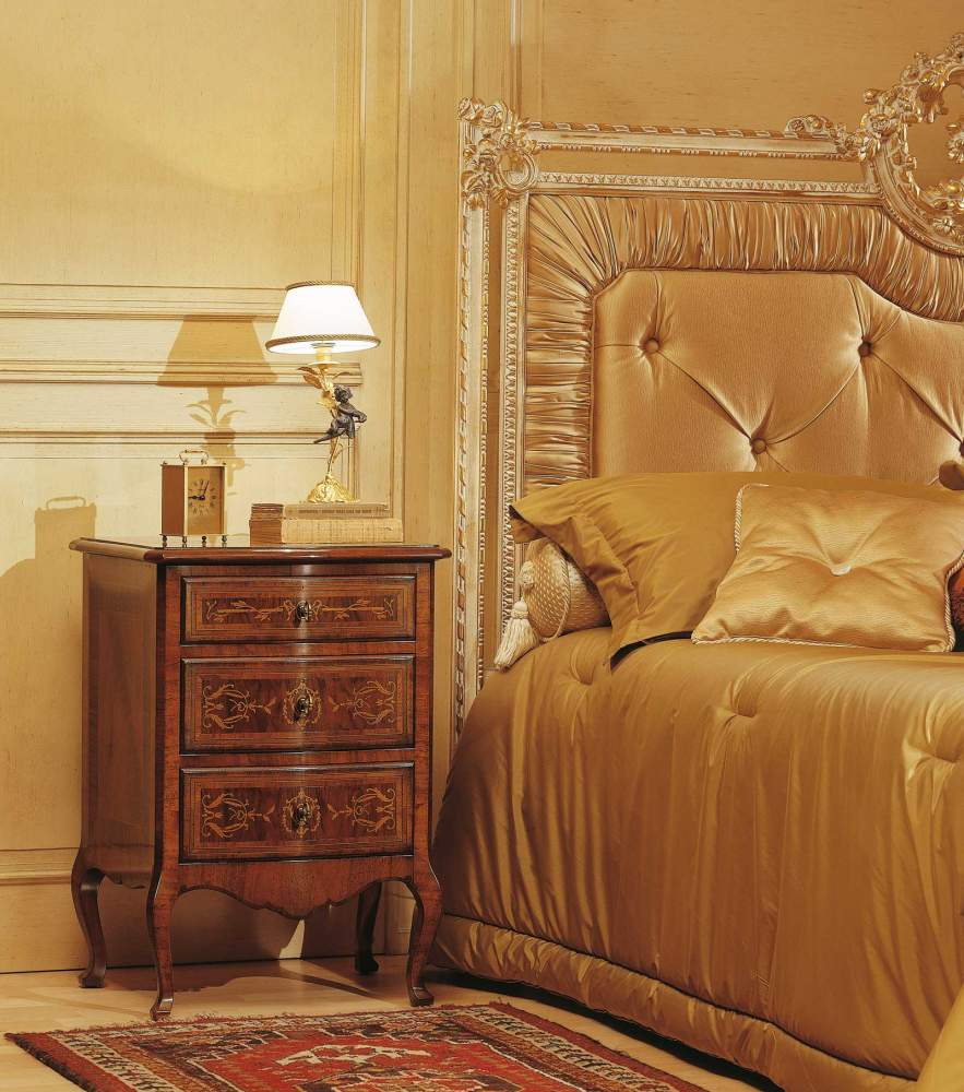Classic Louvre bedroom, walnut night tables with antique finishing, capitonnè bed