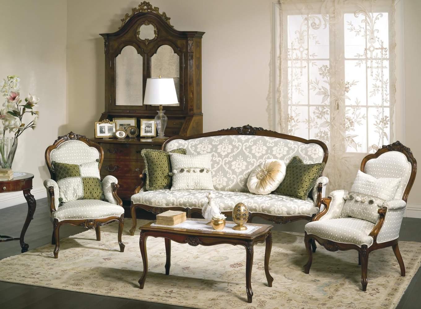 Classic armchairs Carlotta
