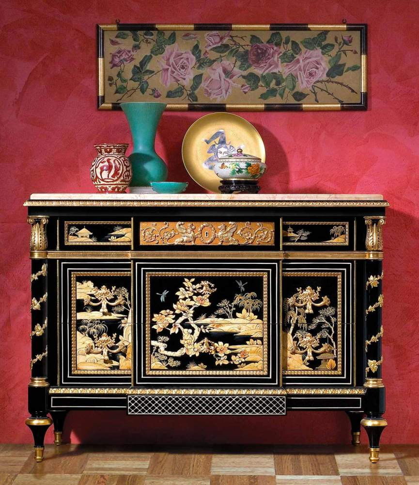 Black lacquered China chest of drawers
