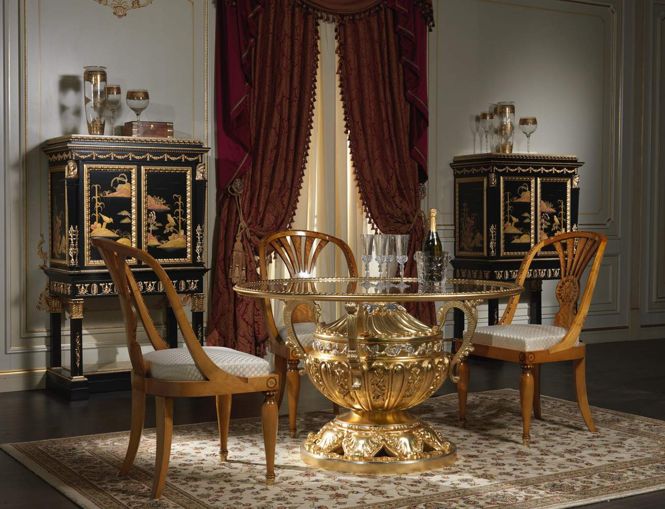 Classic dining room made in Italy