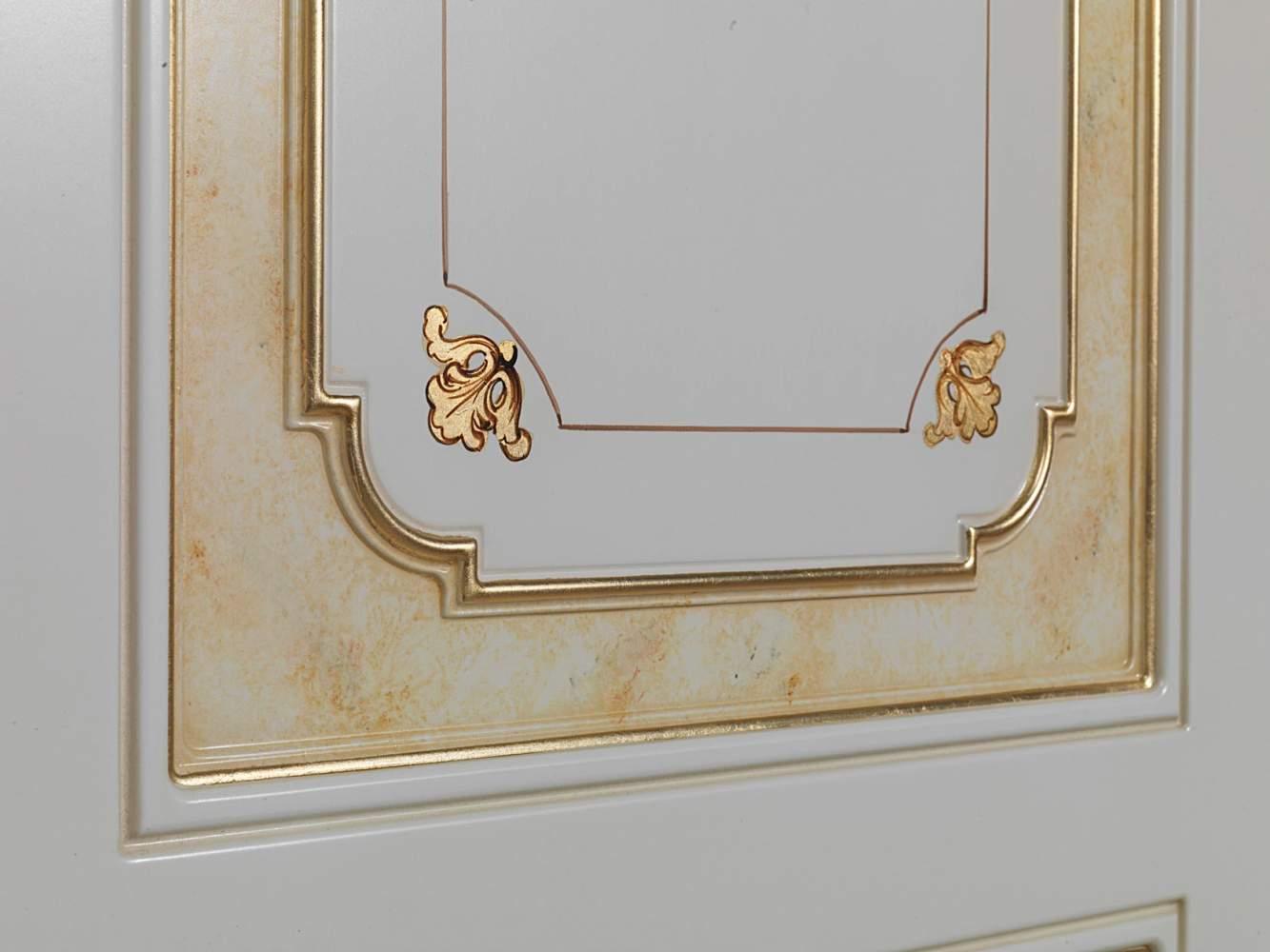 Armoire modulaire dans le style classique, détail
