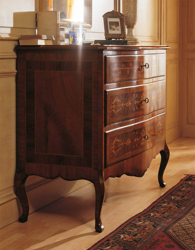 Classic Louvre bedroom, chest of drawers in walnut wood