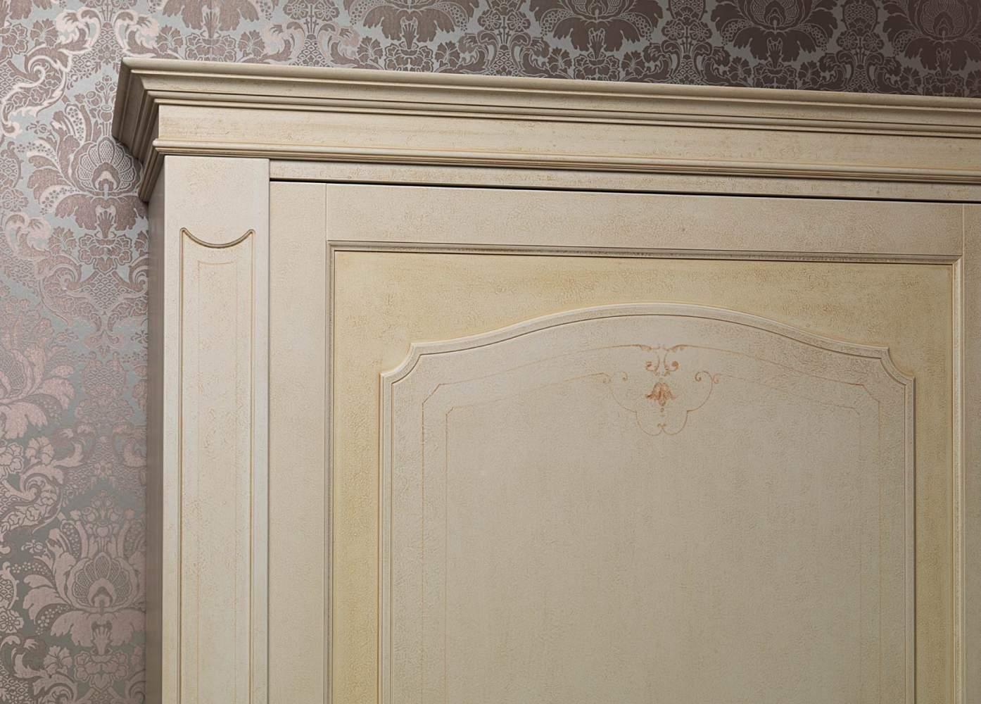 Classic wardrobe Botticelli, detail