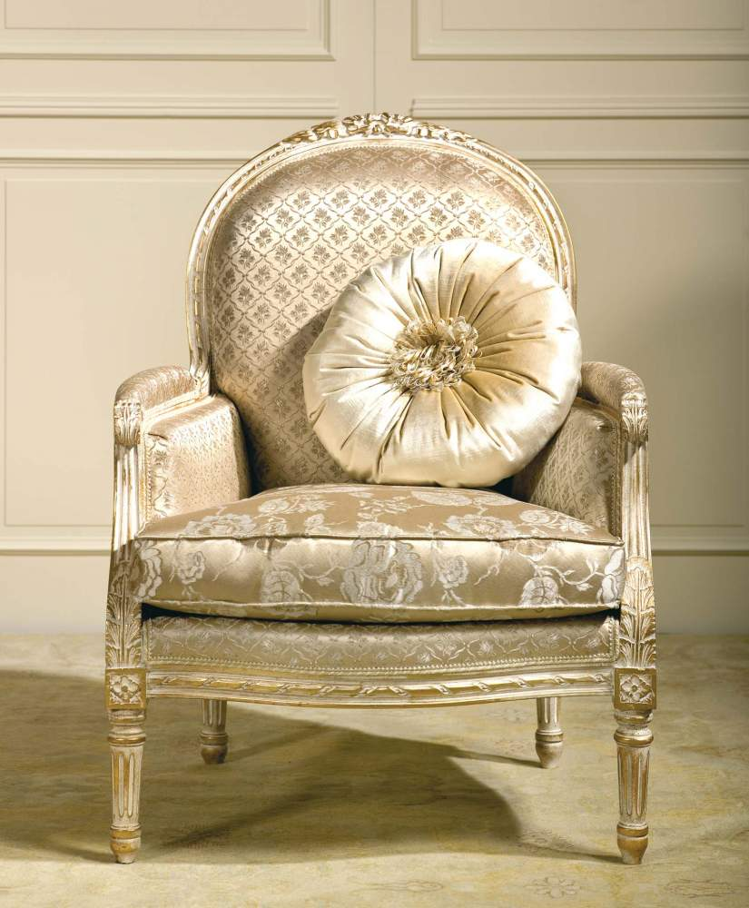 Classic armchair Rialto