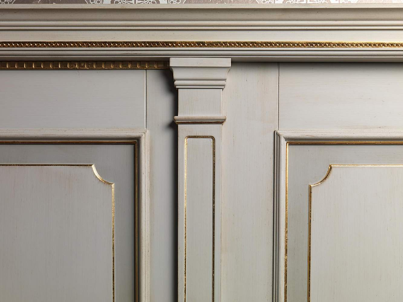 Boiserie white and gold, detail