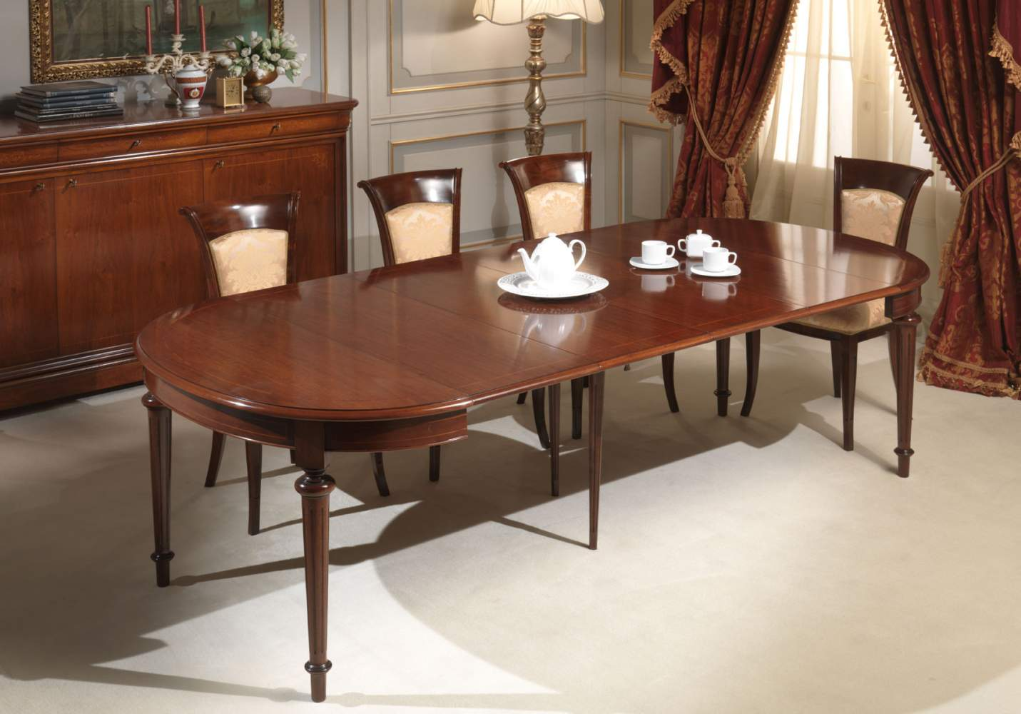 Oval table completely extended