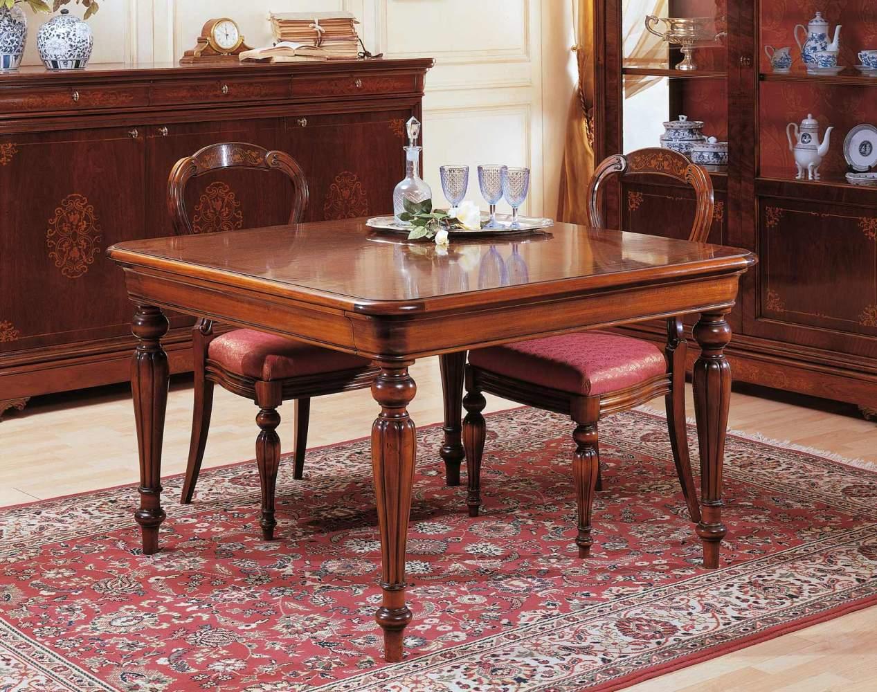 Table ronde XIXe siècle français