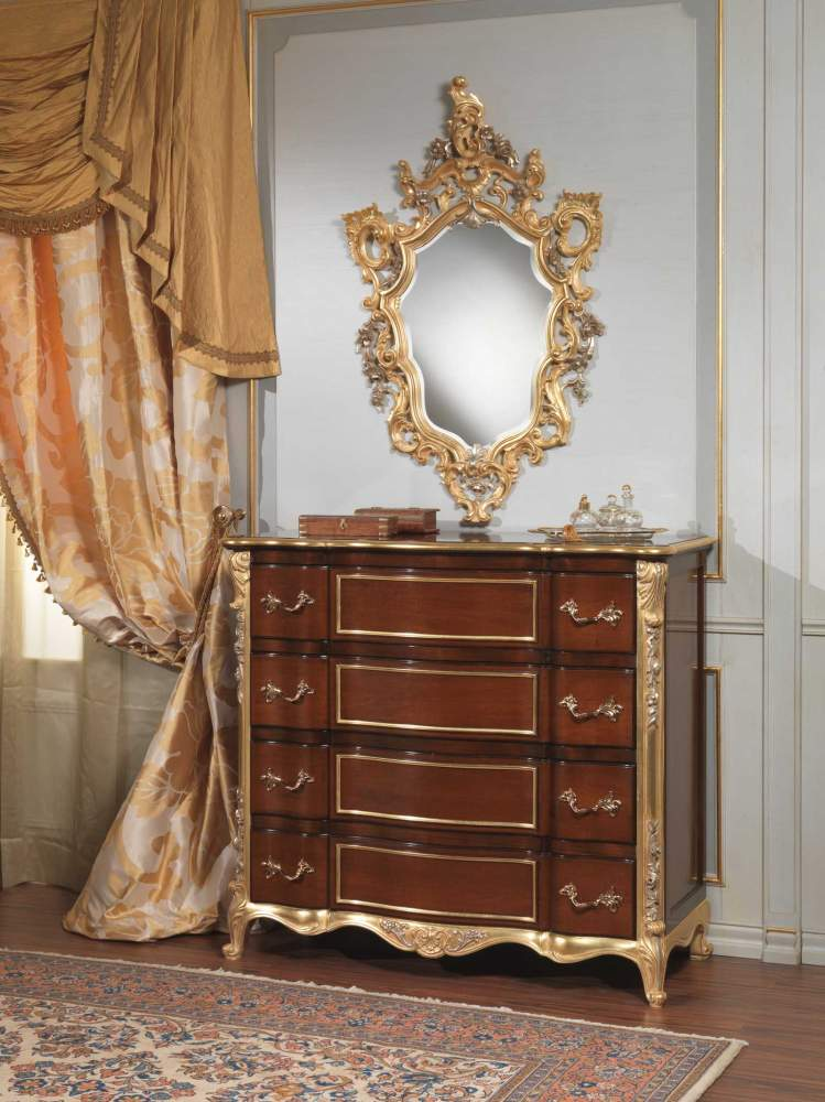 Classic italian bedroom 18th century, chest of drawers and wall mirror