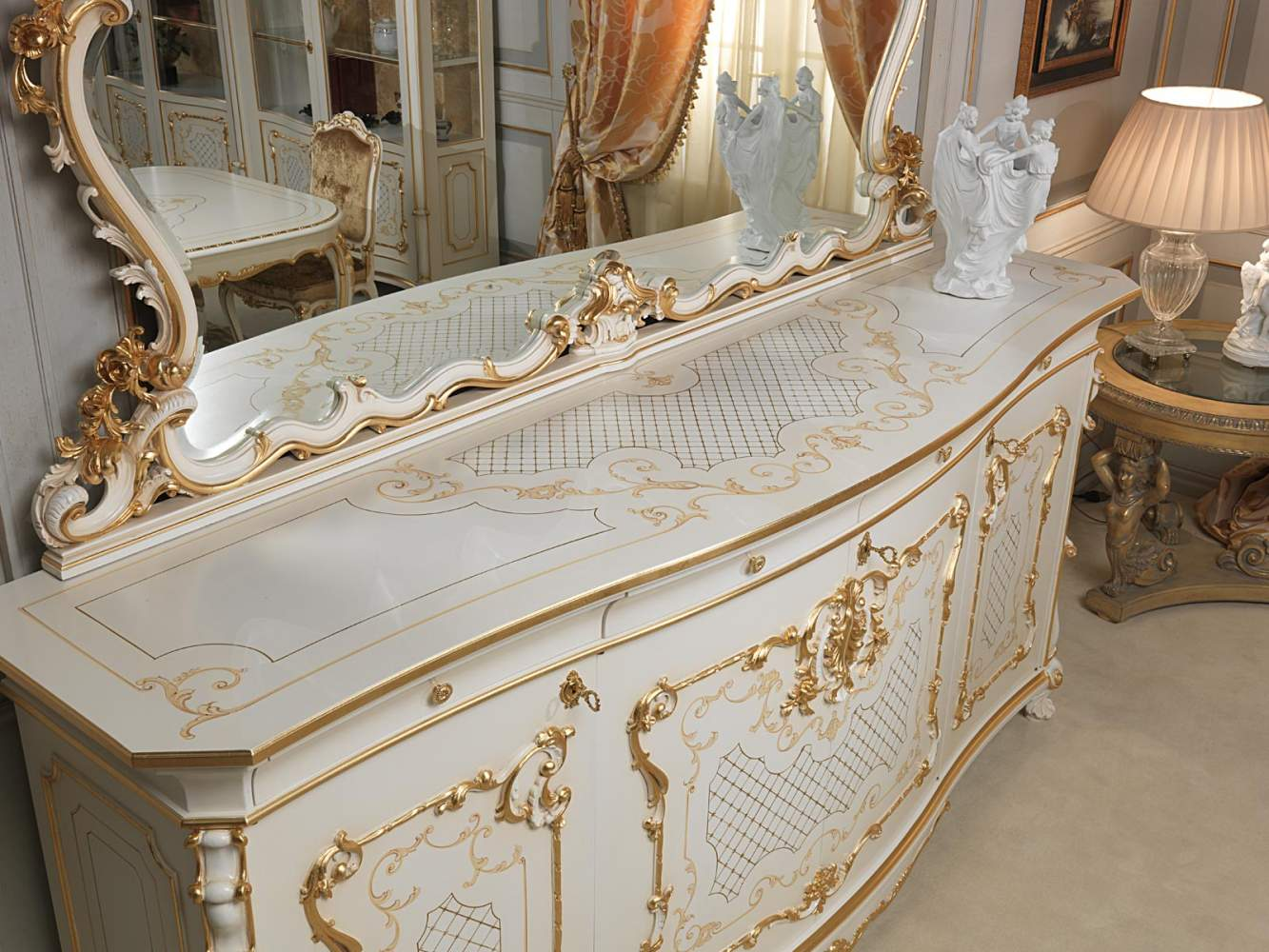 Sideboard Venice in Louis Xv style