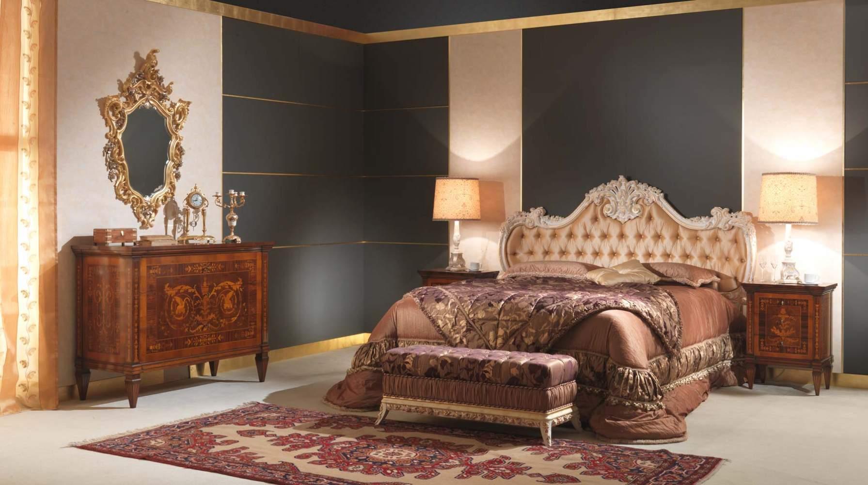 Classic italian bedroom 18th century and maggiolini vimercati classic furniture for Classic italian bedroom furniture