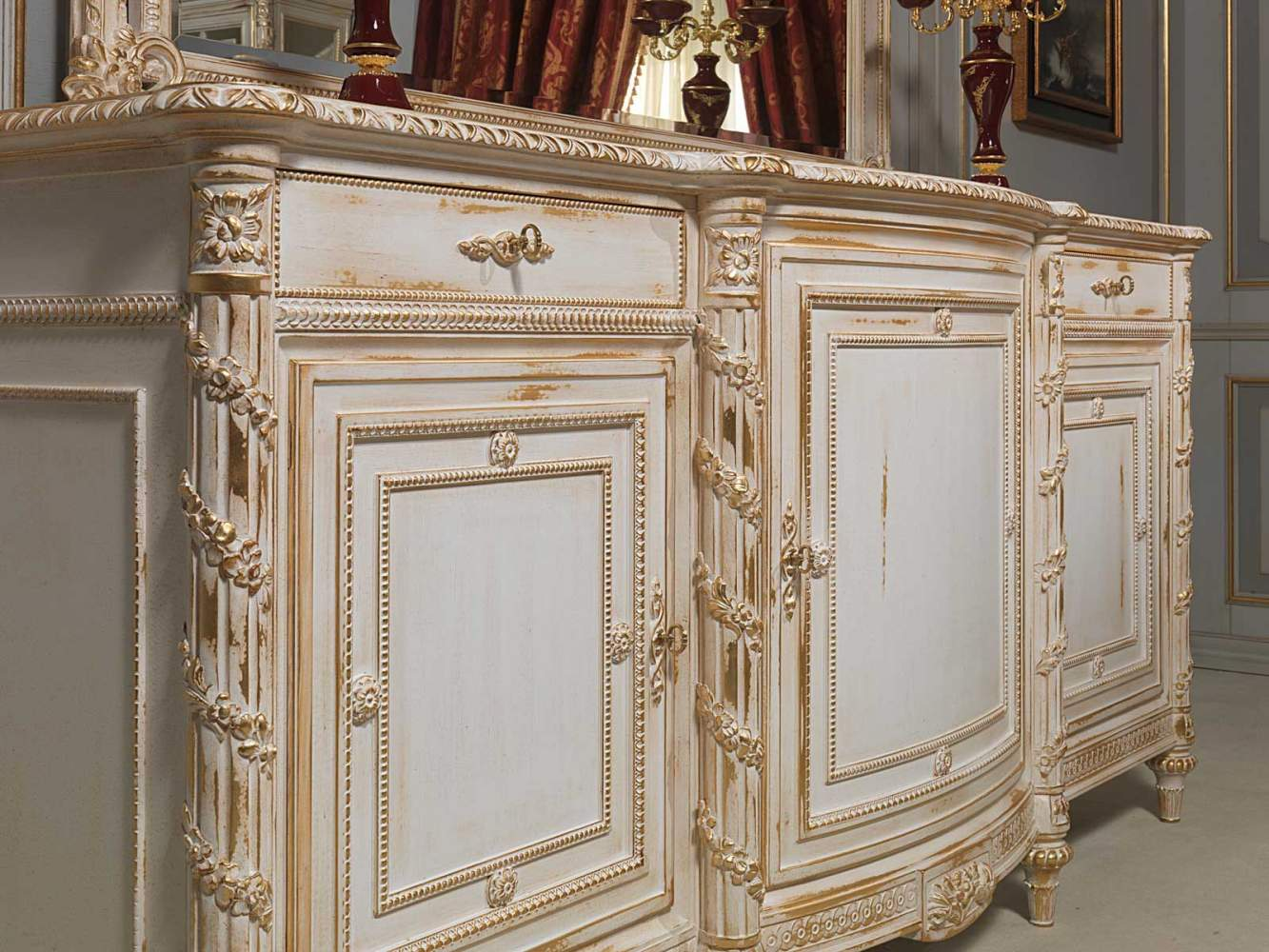Carved sideboard White and Gold in Louis XVI style