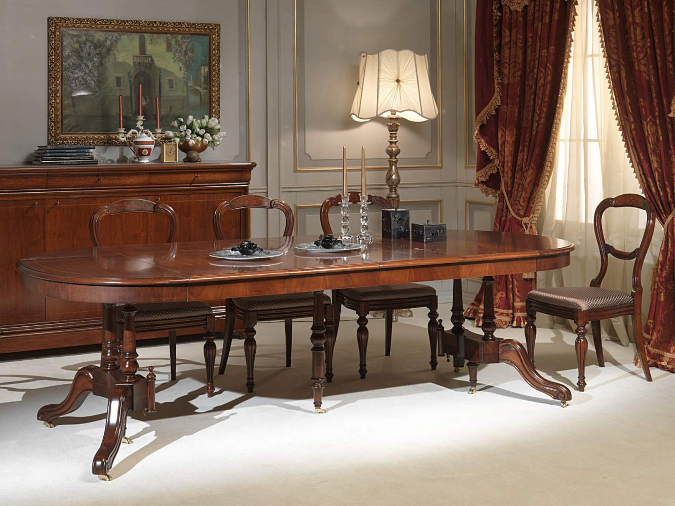 Classic table fully extended
