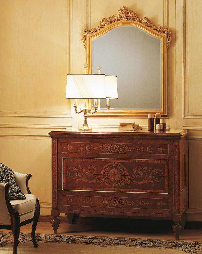Classic Maggiolini bedroom, inlaid chest of drawers and mirror