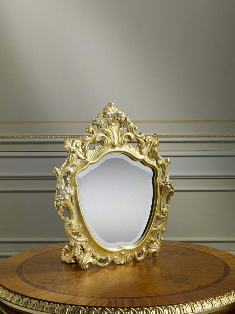Table mirror in classic style