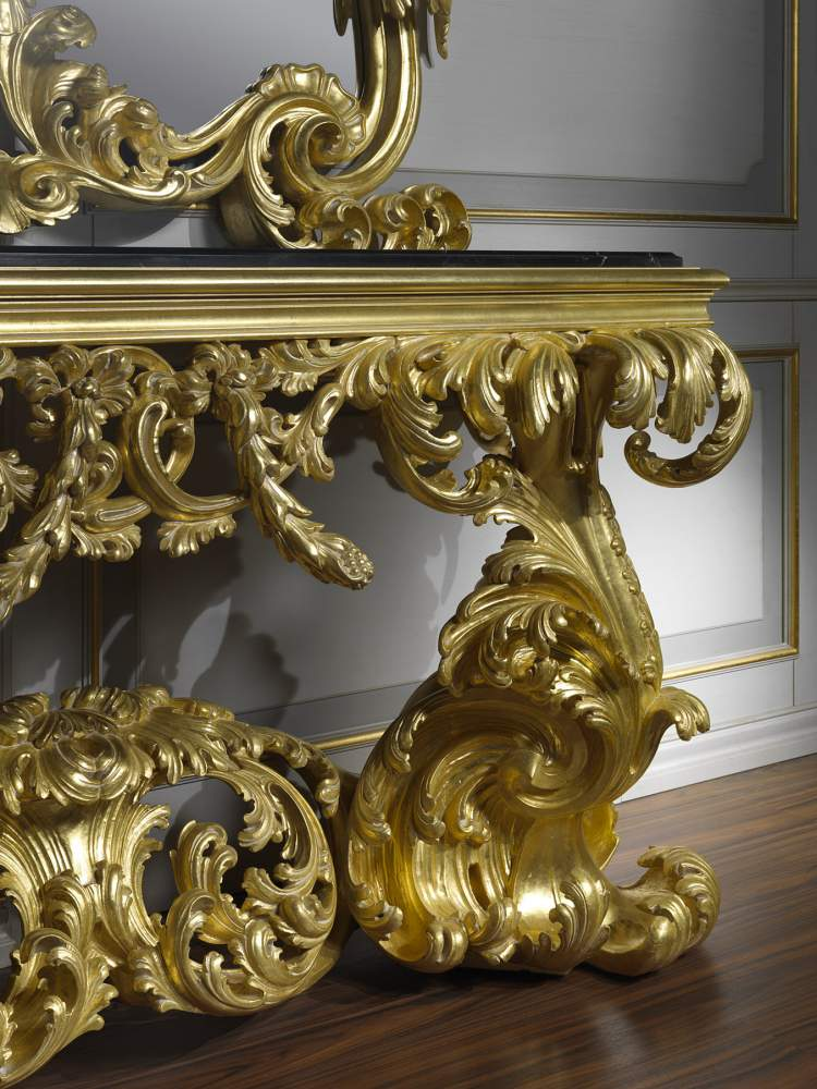 Classic console in baroque style 995