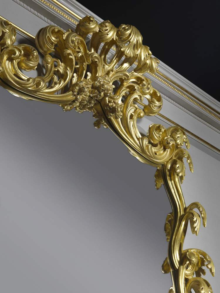 Baroque style console with a mirror 995