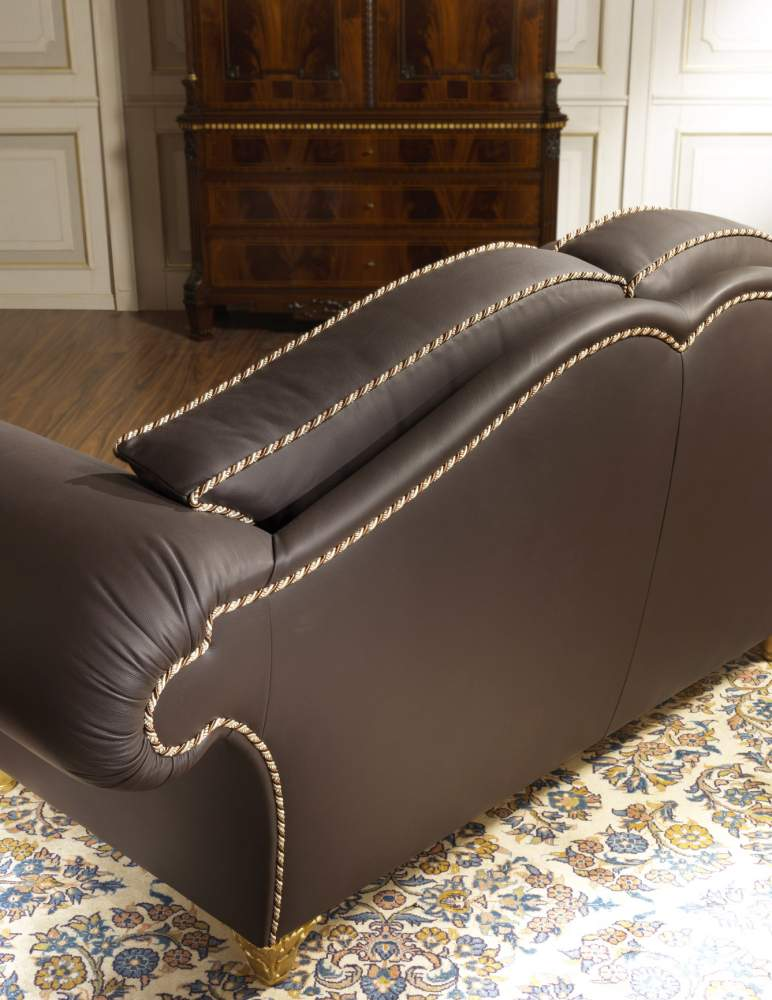 Quilted luxury sofa Majestic