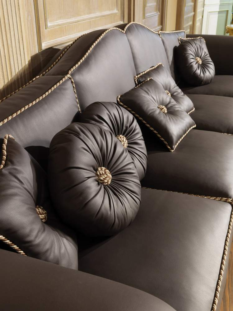 Sofa for a luxury living room Majestic