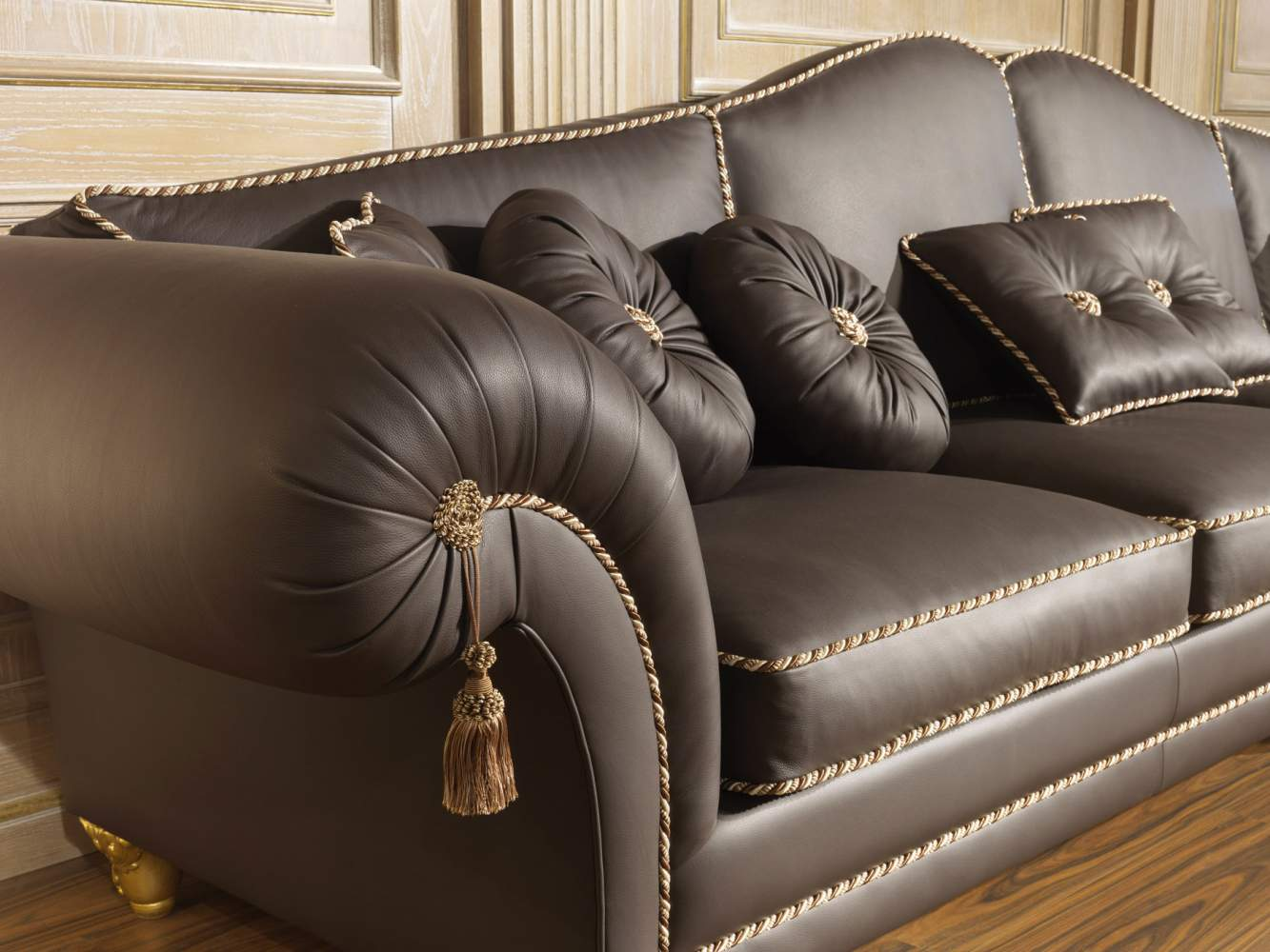 Sofa in luxury leather Majestic