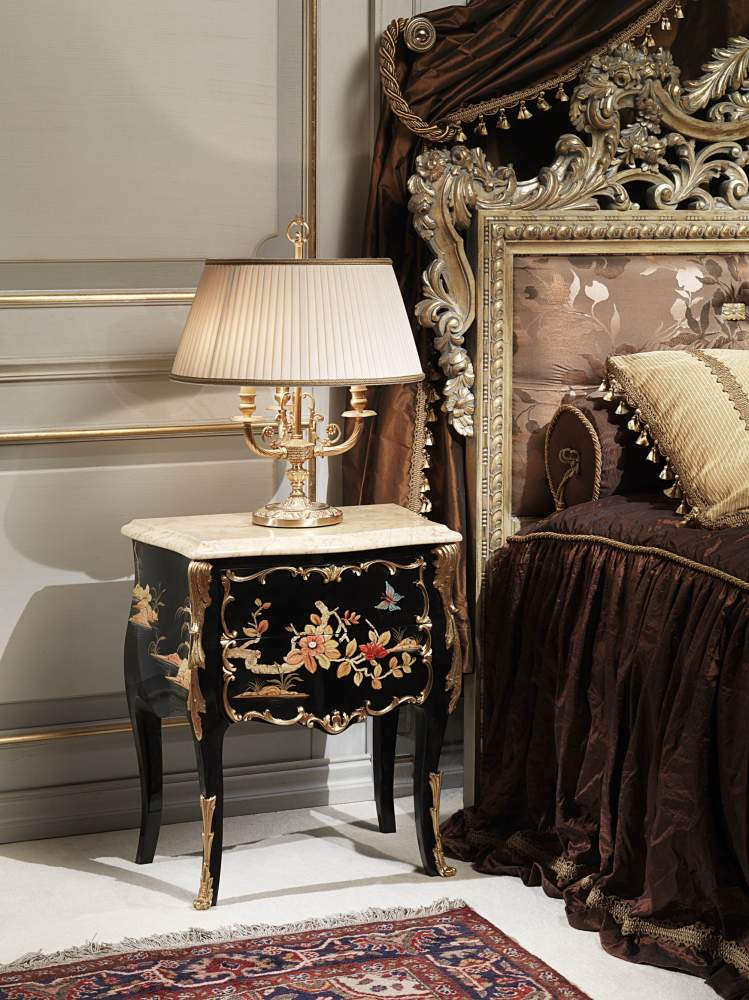 Classic luxury night table chinese style of the Chinoiserie collection