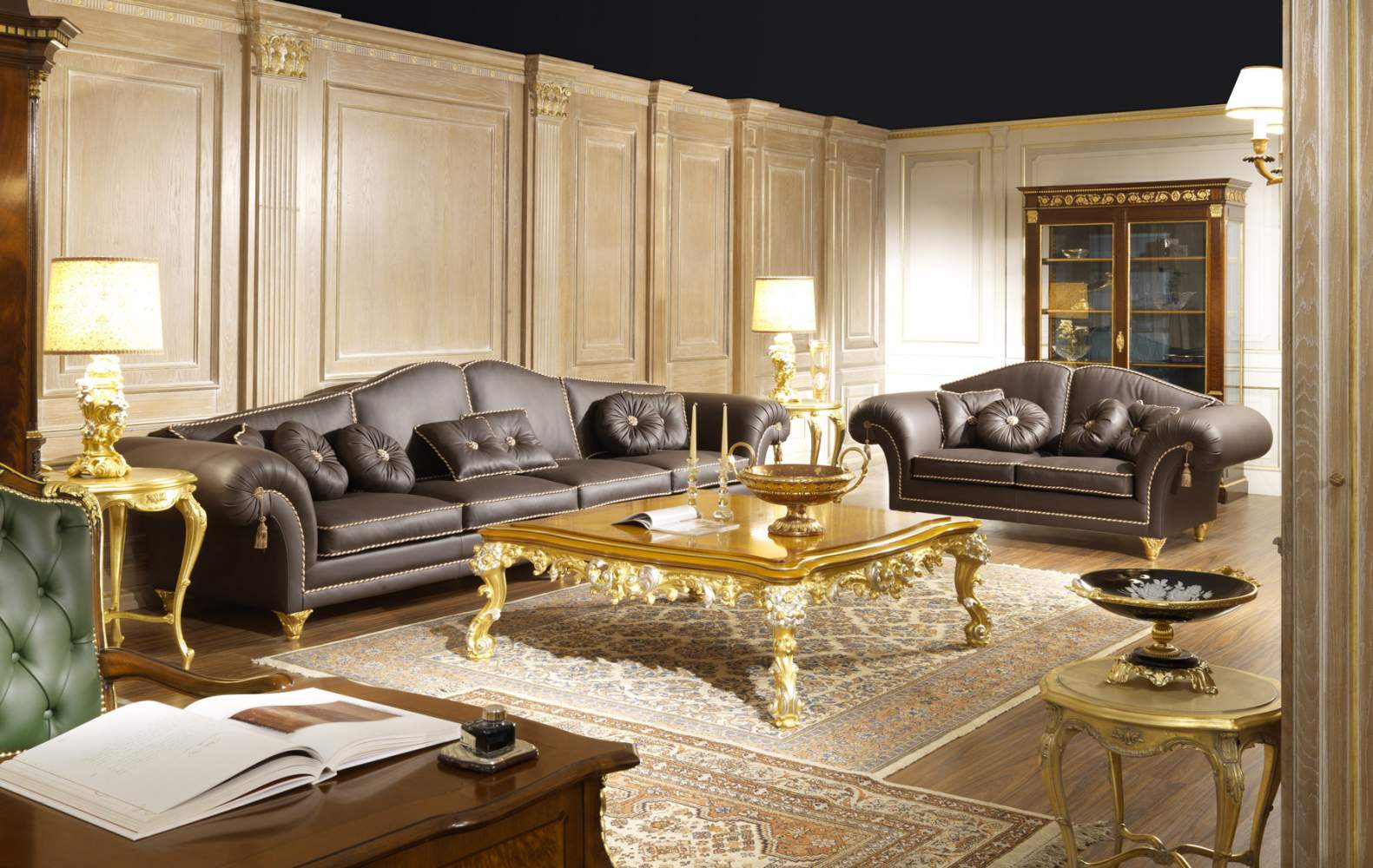 Luxury living room in leather majestic vimercati classic furniture for Living room luxury furniture